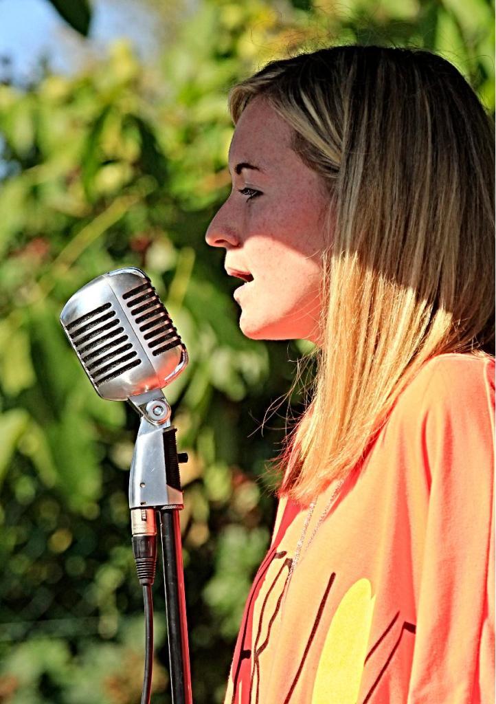 Justine au chant